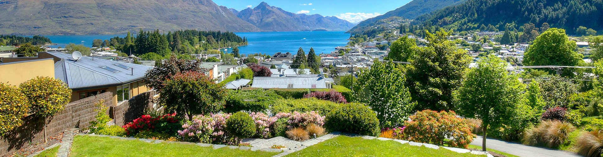 The Haddens Luxury Accommodation - view of Queenstown